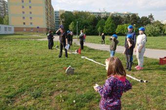 Mladí hasiči trénují